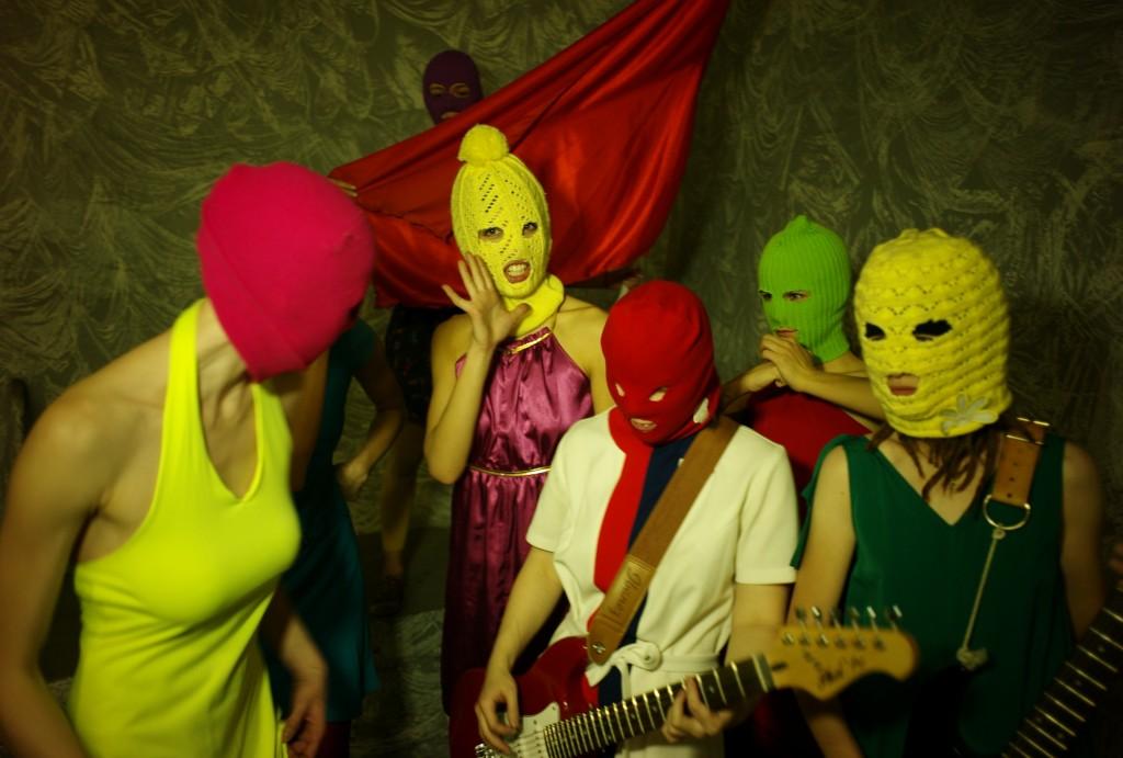 Wollmasken: Das Markenzeichen von Pussy Riot