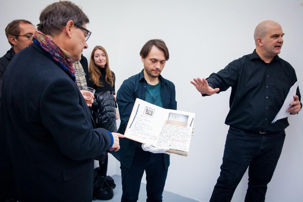 O.T., Buch, Alexander Brener und Barbara Schurz
