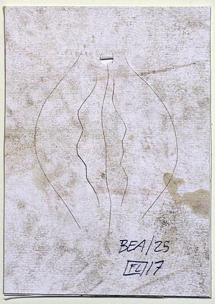 O.T., Skalpellzeichnung, dreckiges Papier auf Karton, Filius de Lacroix, 2017