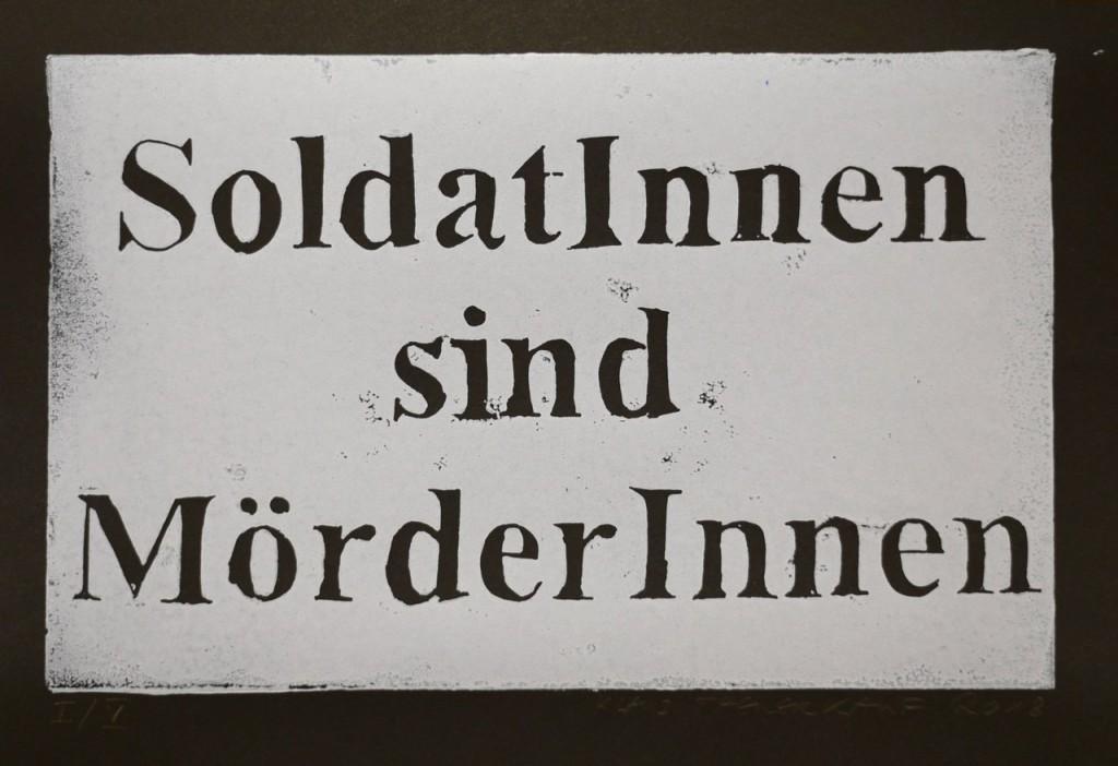 SoldatInnen sind MörderInnen, Linolschnitt von Klaus Theuerkauf, signiert und nummeriert
